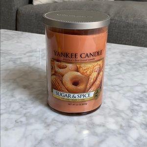 Yankee Candle Sugar & Spice 22oz